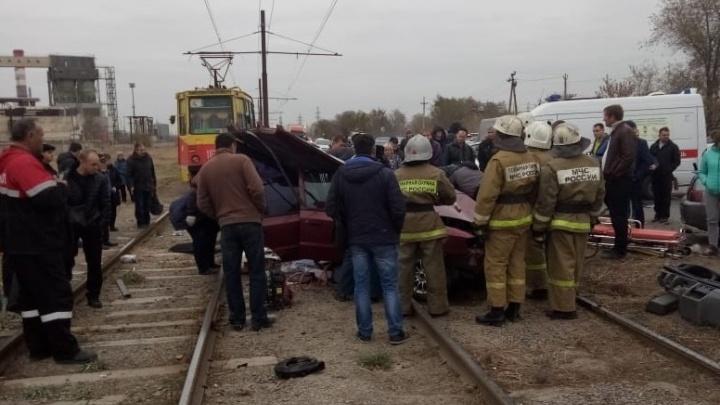 «Водитель иномарки умер»: лобовое ДТП в Волжском оказалось смертельным