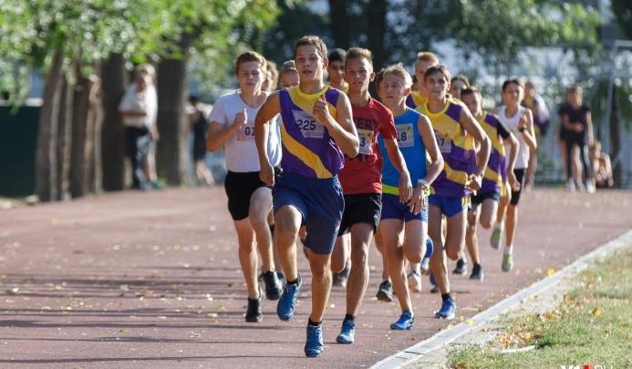 В Волгограде 700 легкоатлетов поборются за призы турнира Татьяны Лебедевой