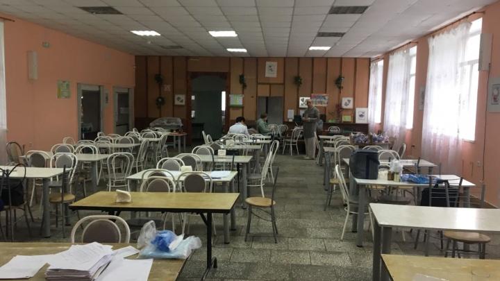 Под подозрением запеканка и говяжья котлета: из уральского лагеря госпитализировали уже 62 ребенка