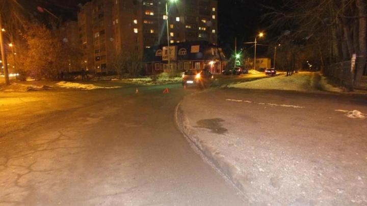Мать с ребенком сбили в Кургане на улице Циолковского