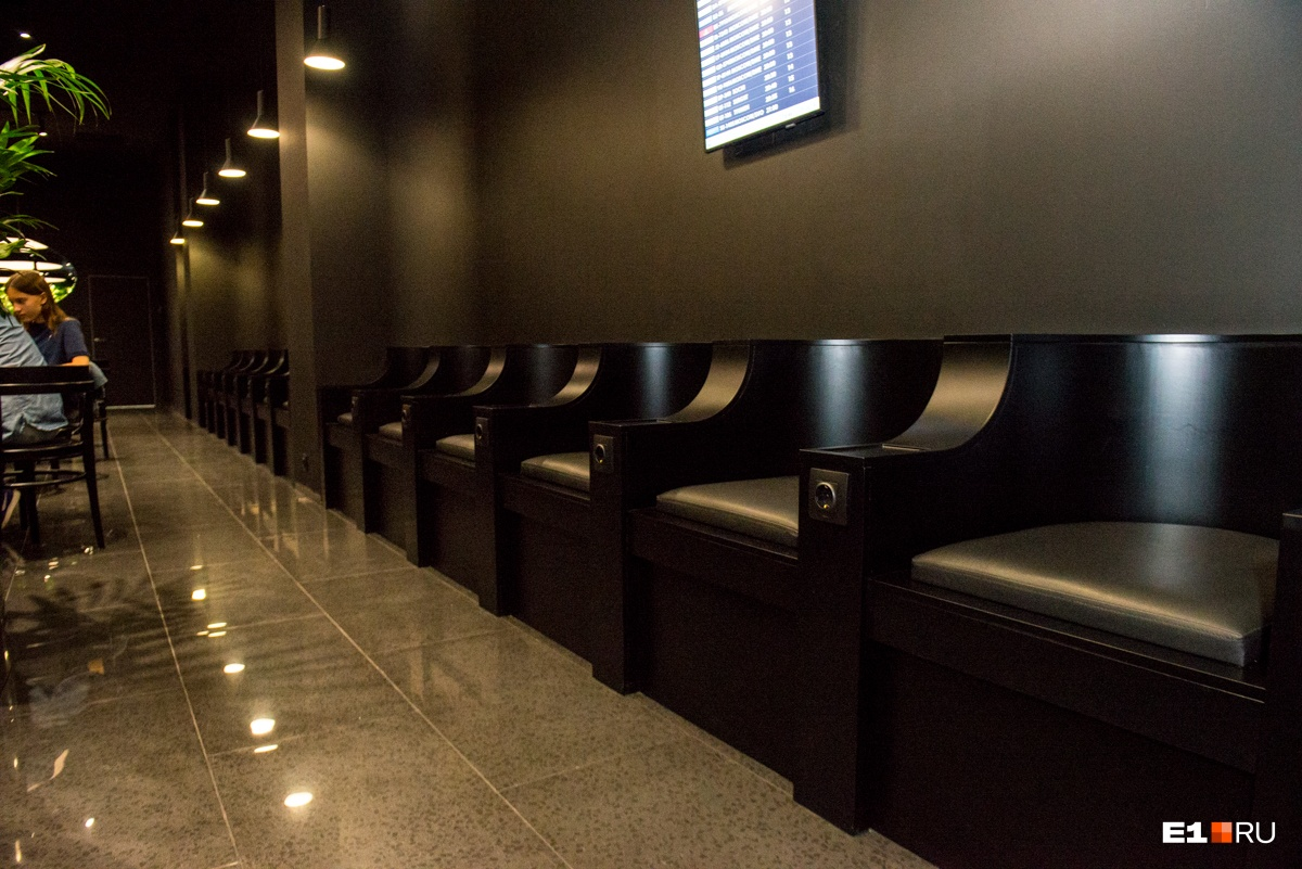 Приватный «тайный сад» для пассажиров открылся в аэропорту Кольцово