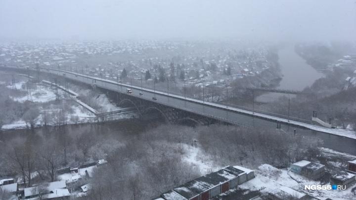 В Омске у Октябрьского моста утонул 8-летний мальчик
