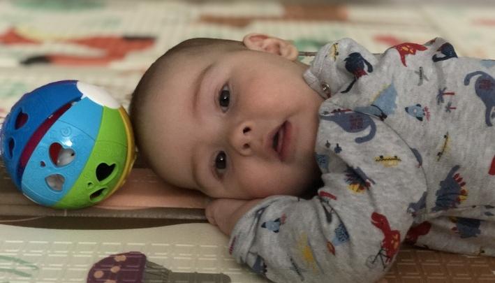 На лечение малыша из Тюмени требуется 163 миллиона. Почти половину суммы собрали всего за месяц