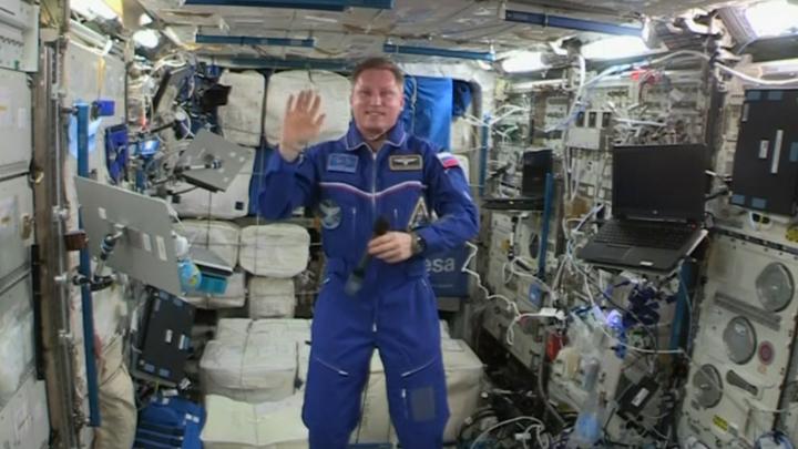 «Все сны здесь только о Земле»: космонавт Сергей Прокопьев рассказал, как спится в невесомости