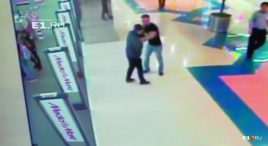 Полиция нашла мужчину, избившего инвалида в «Алатыре»