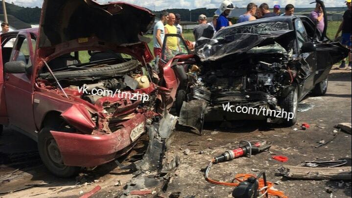 Двое погибших: на трассе в Башкирии столкнулись Hyundai Accent и отечественная легковушка