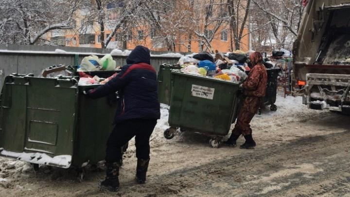 Регоператор опубликовал телефоны перевозчиков, которые отвечают за вывоз мусора в Самаре