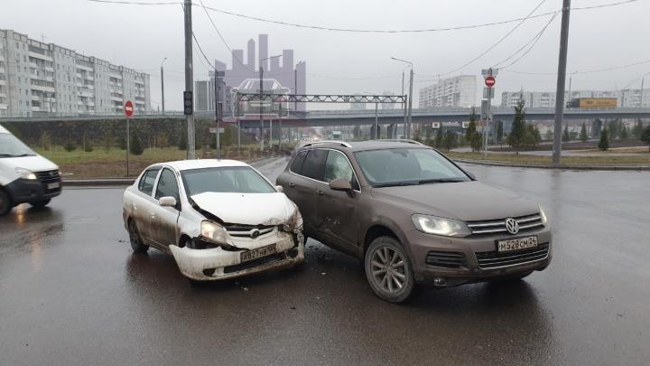 Из-за неработающего светофора на новой развязке Копылова — Годенко произошло уже две аварии