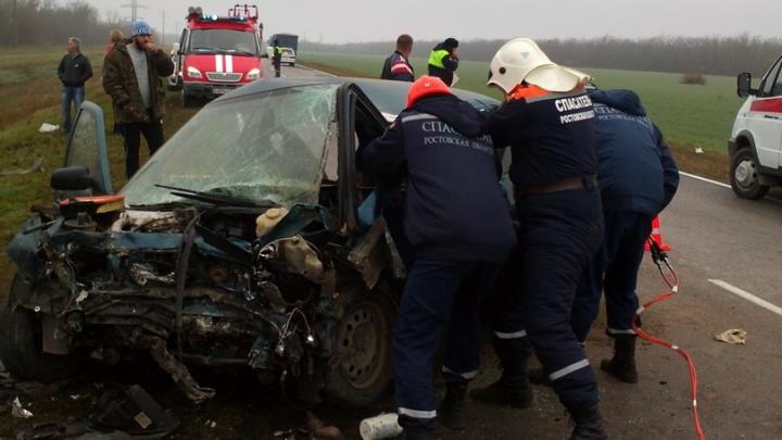 В Ростовской области в ДТП погибли три человека. Среди них один ребенок