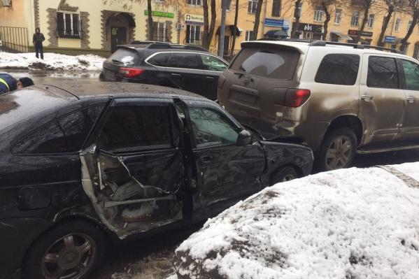 Без повреждений не остался ни один участник аварии