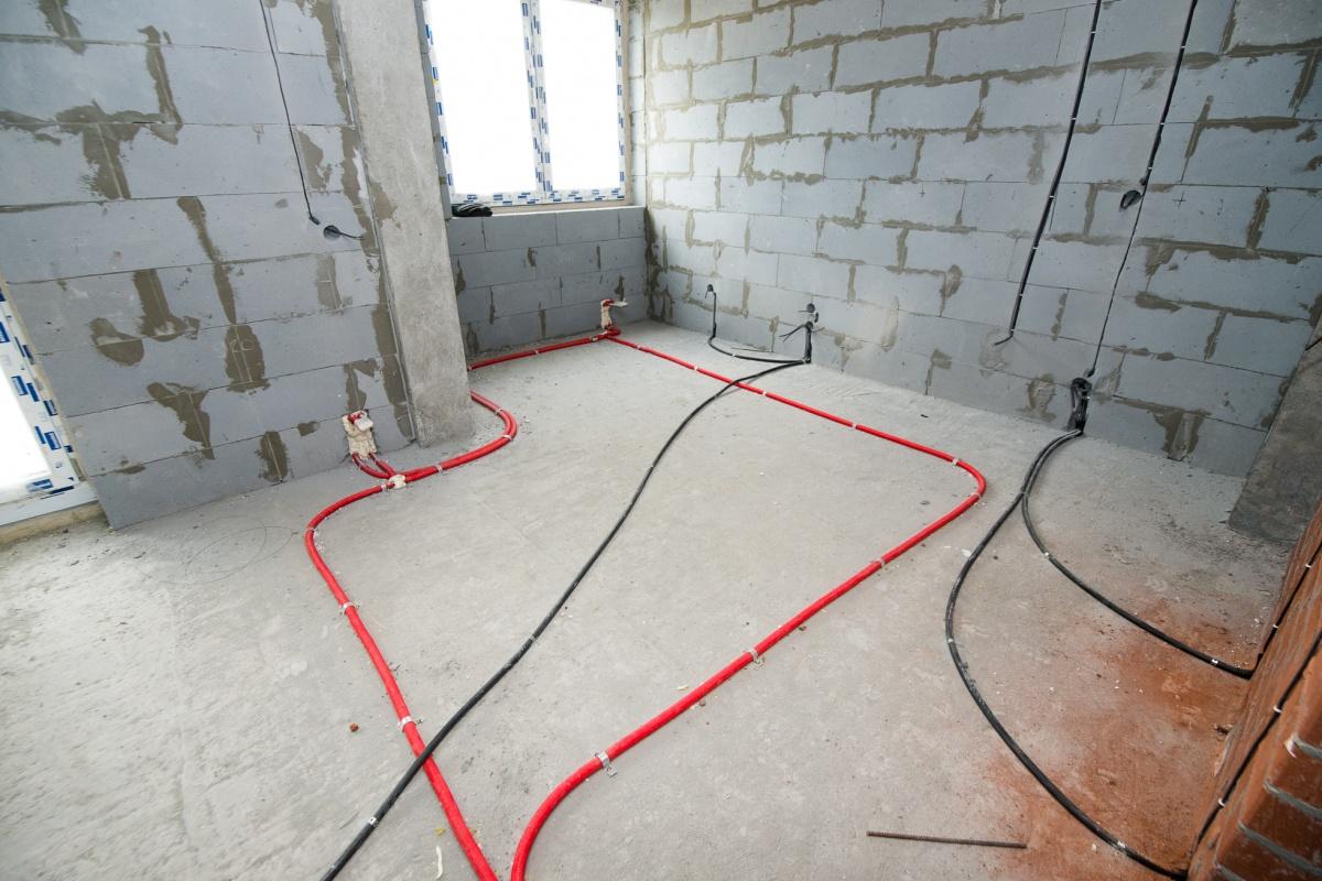 Каждый подрядчик после выполнения своих работ должен оставить после себя чистую площадку. Это тоже ускоряет строительство