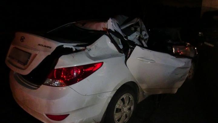 Сел за руль после долгого перелёта: на Серовском тракте водитель Hyundai уснул и протаранил грузовик