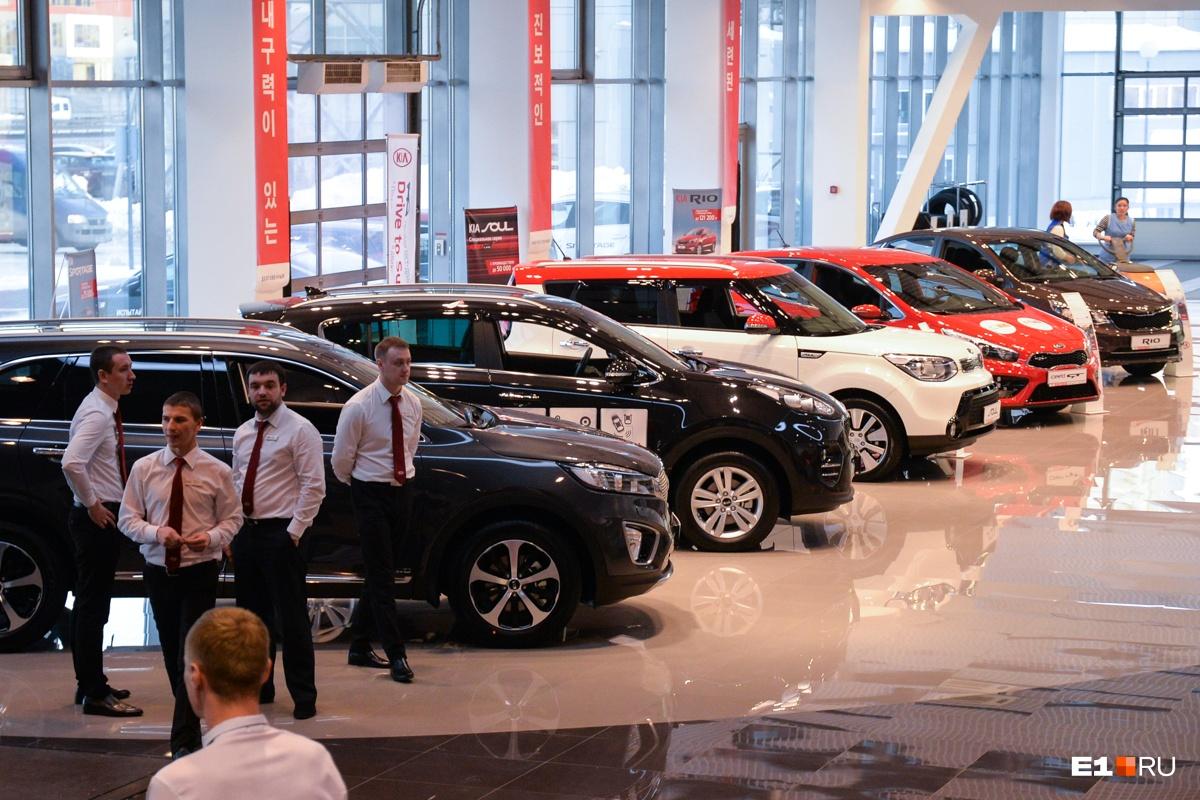 Цены на авто растут не только из-за увеличения НДС, но и из-за ослабления рубля