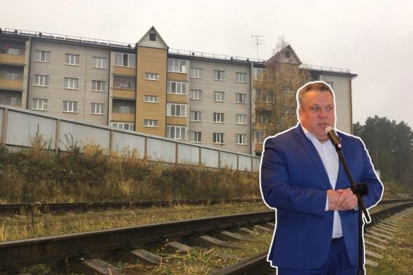 Евгений Щукин считает, что дом построен в нормальном месте. По крайней мере, в суде он свой вины не признал