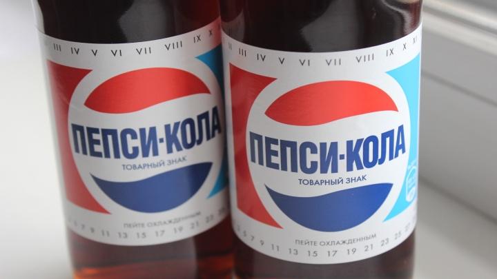 Назад в СССР: в Новосибирске начали торговать пепси-колой в ретро-бутылочках