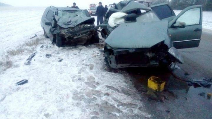 В Башкирии столкнулись«Богдан-2111» и«Лада-Калина»: погибли 6 человек