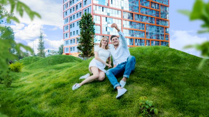 «Мы хотим жить нормально, а не тянуть лямку»: семьи переезжают в парк, чтобы избежать развода
