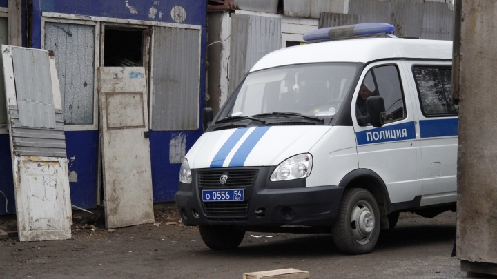Возле пятиэтажки на Оловозаводской нашли труп мужчины