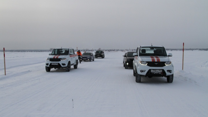 В Новосибирской области открыли ледяную дорогу через Обь