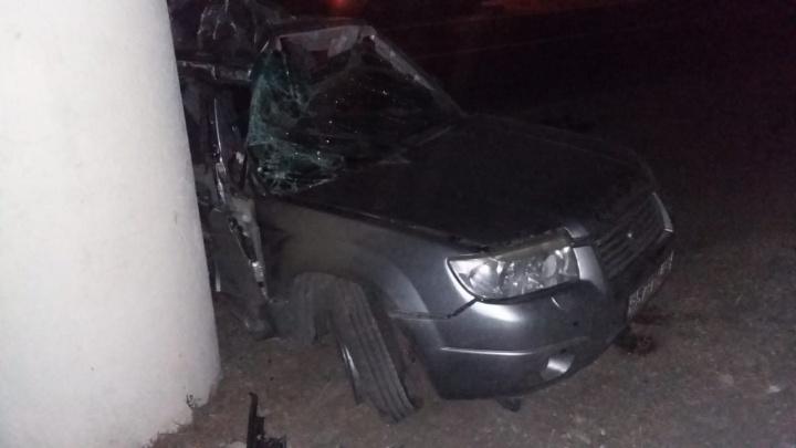 Влетел в опору путепровода: два человека погибли в ДТП на трассе под Самарой