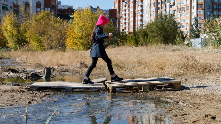 Канализационные реки, зловонные берега: в Волгограде новостройки утонули в фекалиях