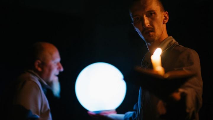 Гоголь «по классике» и путешествие по чужой голове: архангельские театры открыли новый сезон