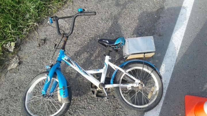 Под Тюменью машинасбила 7-летнего мальчика на велосипеде, водитель с места ДТП скрылся