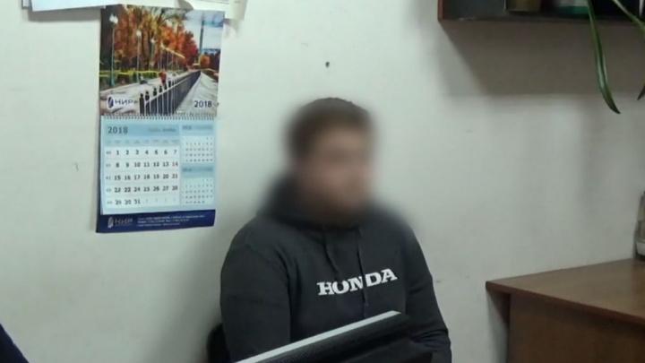 «Я не хотел этого делать»: вандала, разнесшего в Рыбинске остановку, поймала полиция