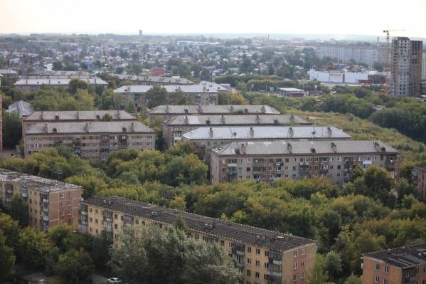 И без того дешёвые квартиры в хрущёвках на окраинах ещё больше потеряли в цене