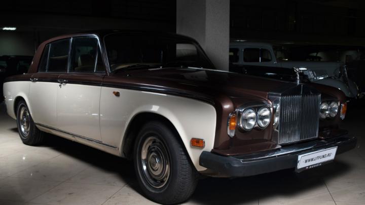 В России продадут 23 крайне редких автомобиля. Среди них — BMW советской сборки и уникальная «Волга»