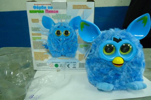 Шесть тысяч игрушек обнаружили в фуре из Казахстана