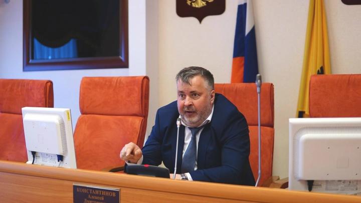 «Этим занимаются органы»: депутат облдумы прокомментировал видео с отборным матом на планёрке