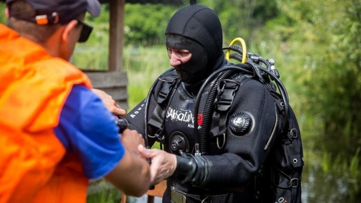 Двое мужчин и ребёнок пропали после купания в Оби: их ищут водолазы