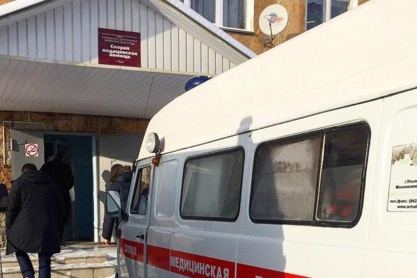 Двое китайцев поначалу обратились с тревожными симптомами в кусинскую районную больницу