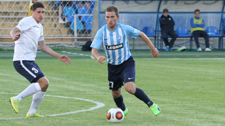 «Нужны игроки для Премьер-лиги»: «Крылья» распрощались с полузащитником Клёнкиным