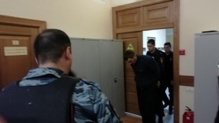 Прятал лицо под капюшоном: ростовского поджигателя арестовали. Онлайн-трансляция