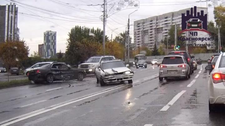 Скрывающийся с места аварии водитель устроил еще одно ДТП и уехал