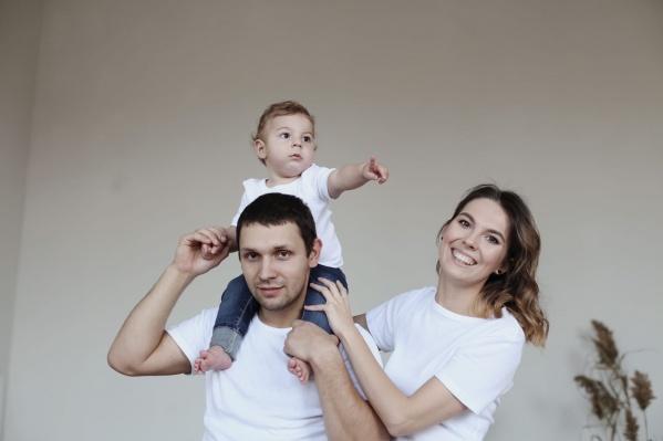 Чиновники пообещали, что со следующего учебного года Юлия Ионова сможет водить своего сына Глеба в детский сад рядом с домом