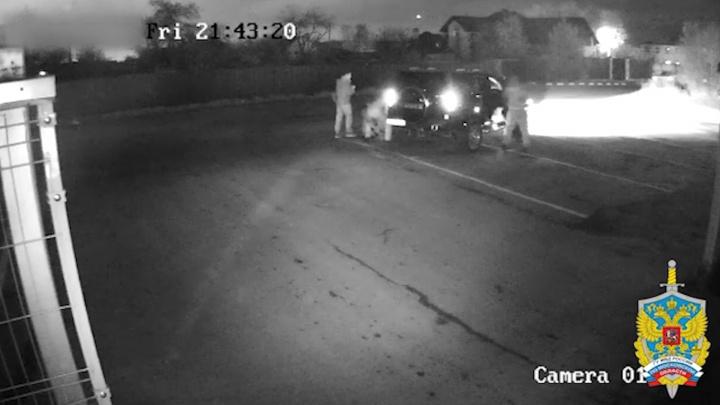 Нападение бойца ММА на челябинца с «Хаммером» в Подмосковье сняли камеры наблюдения