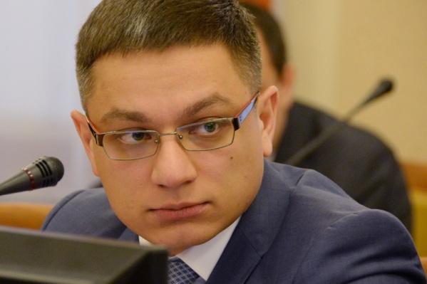 Расим Галямов был некоторое время самым молодым министром в правительстве Буркова: он возглавил минэкономики в 32 года