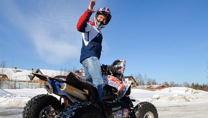 Карякин отменил гонки по замёрзшему городскому пруду, потому что на лёд вышла вода