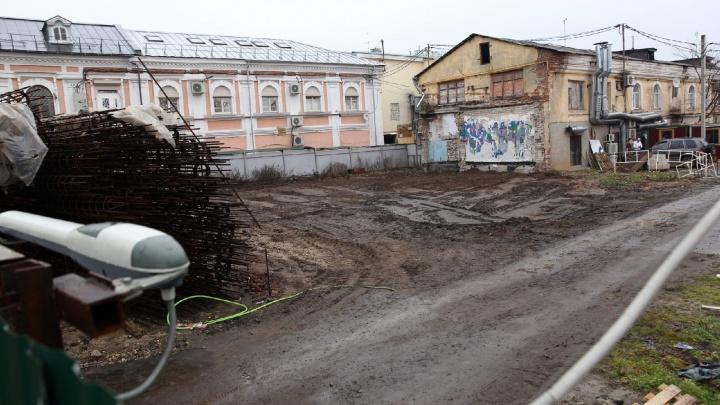 «От идеи никто не отказывался»: что творится на месте скандальной стройки в центре Ярославля