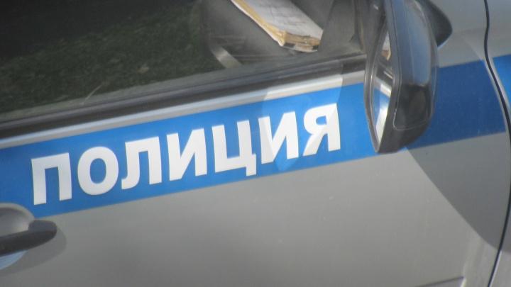 Из грузовика зауральца ночью похитили деньги и вещи на 40 тысяч рублей