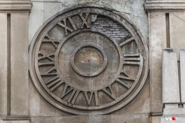 По новым часам Волгоград живет ровно год