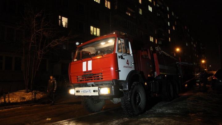 Спасатели Северодвинска выехали на пожар, который успели потушить сами хозяева