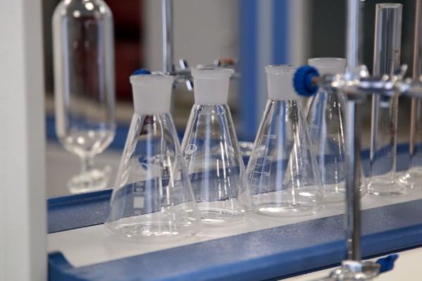 Для студентов организовали нефтехимический завод в миниатюре