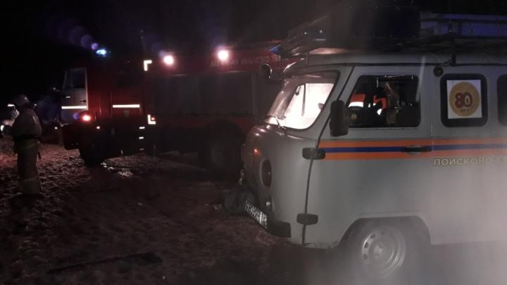Микроавтобус влобовую столкнулся с грузовиком: два человека погибли, семеро в больнице