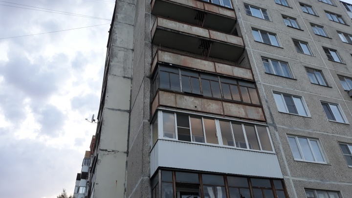 Пожилой мужчина в Архангельске упал с девятого этажа