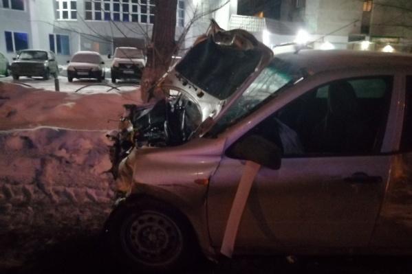 Авария случилась на улице Республики