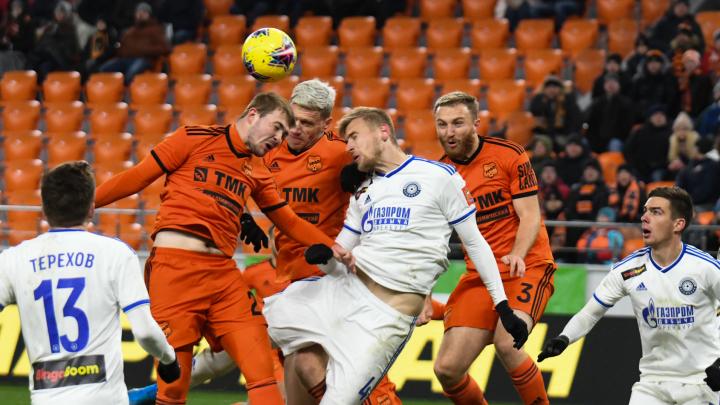 Футбол — это борьба и боль: подборка самых ярких моментов матчей «Урала» от фотографа E1.RU
